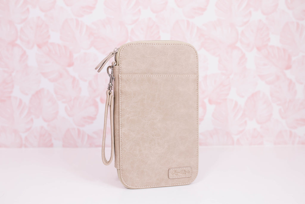 CLEARANCE - Sandstone Traveler's Wallet