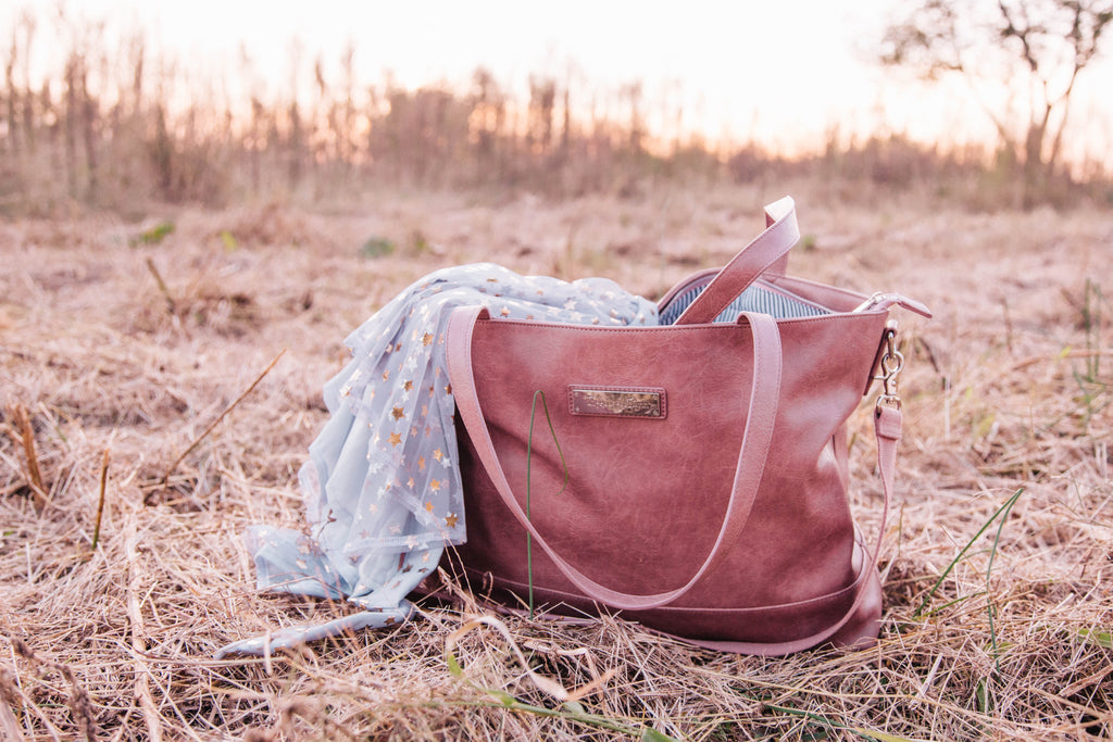NEW- Roam and Rise Carryall -Roaming Rose