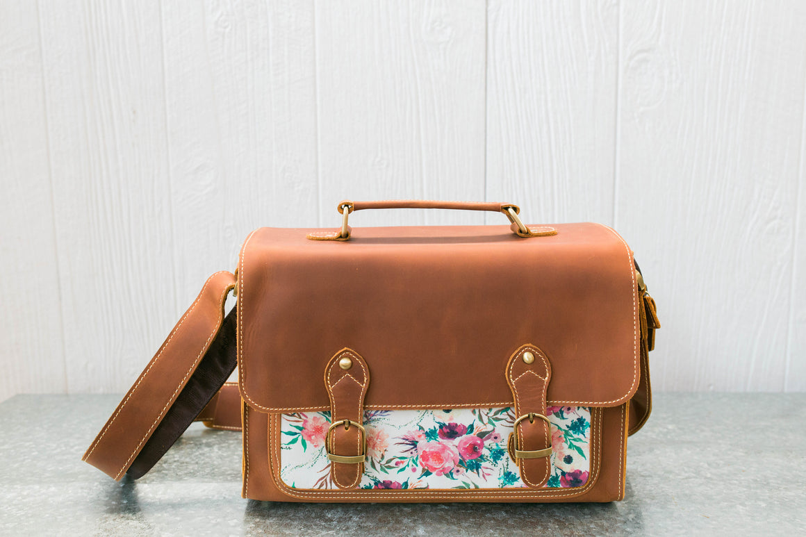Classic Leather Messenger- Playa