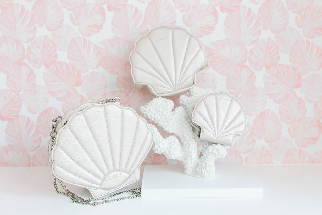 CLEARANCE- Pearl Shell Card Wallet