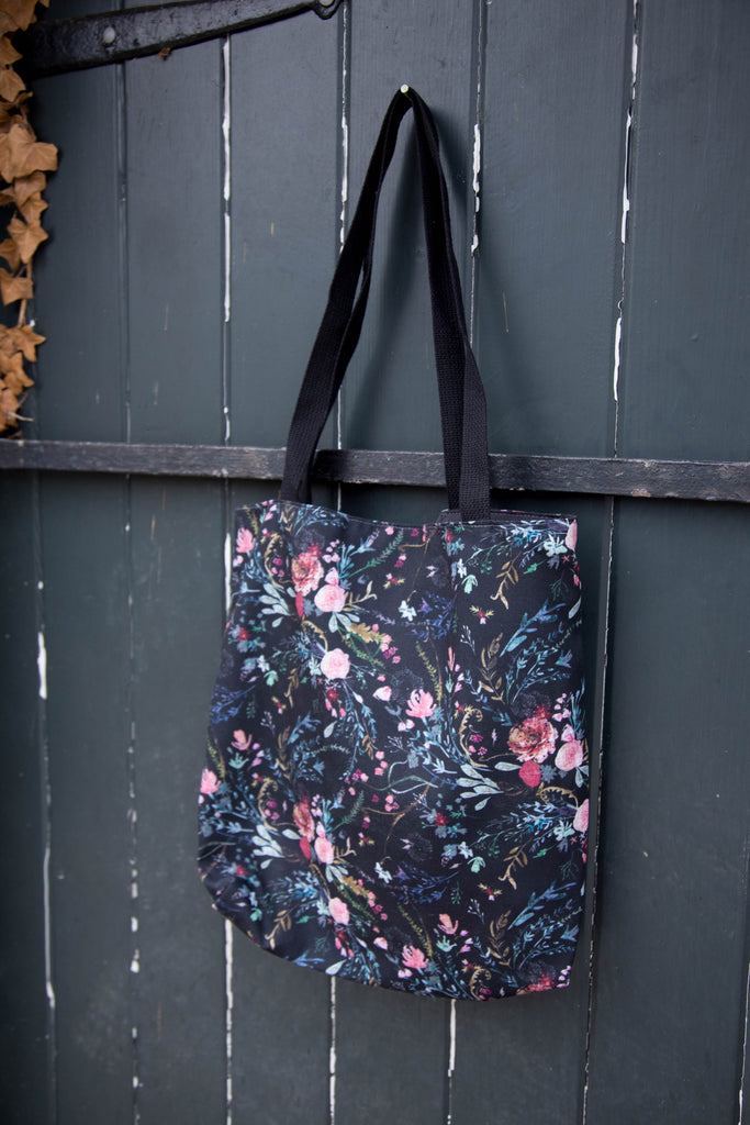 Black Fable Simple Bag