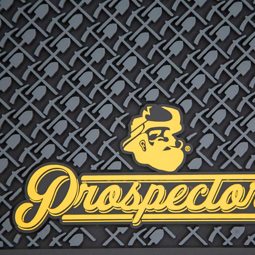 Prospectors Barber Mat Black & Gold- Close Up