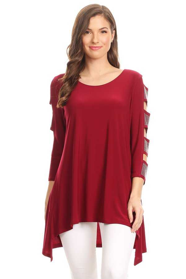 Front view woman wearing wine-colored 3/4 sleeve ladder sleeve tunic with rhinestone ladder