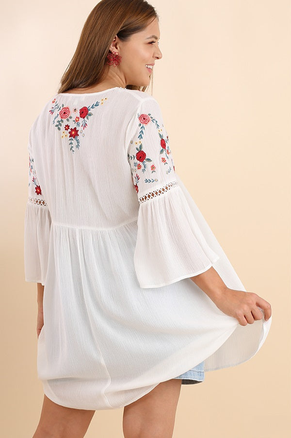 Plus Size Casual Embroidered Tunic - Vegastyleboutique.com - 4