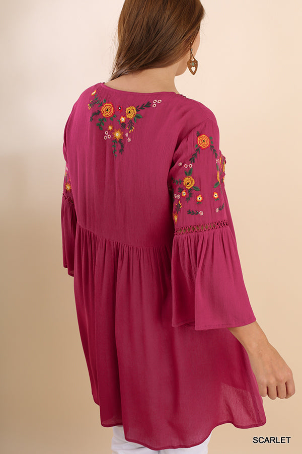 Curvy Junior Casual Embroidered Tunic