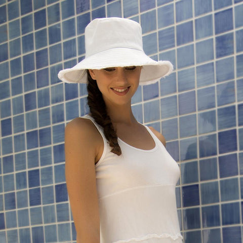 Physicians Endorsed Castaway Hat - Gals on and off the Green
