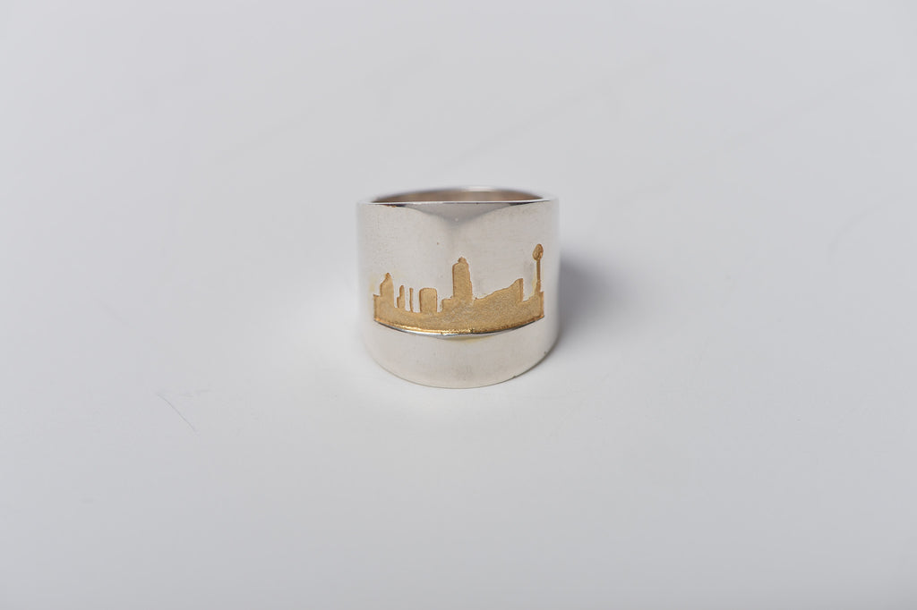 Large ring rustic silver ring in gold outline (shiny finish)