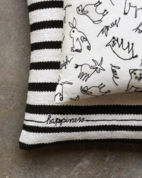 Ellen Degeneres P4085 White/Black Pillow