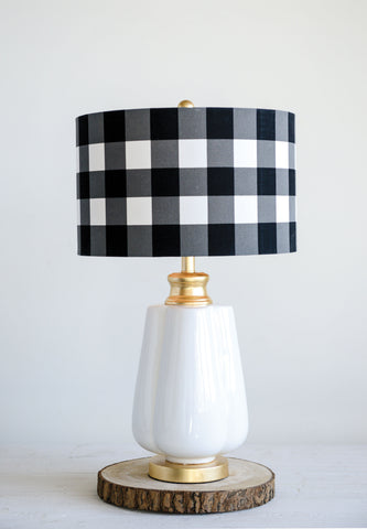 Collected Notions Da9105 White And Black Desk Lamp
