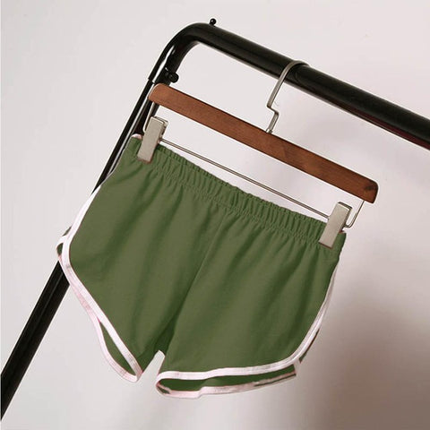 LINDER training booty short in Green