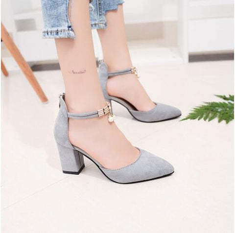 PEARLS Pointed High Heels in Grey