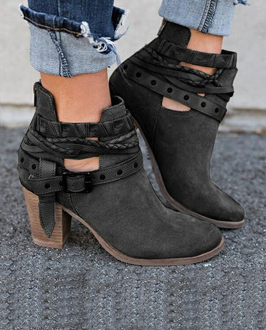 Linder Suede Leather Buckle boots In Black