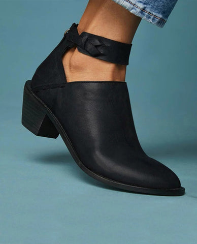 Linder Heeled Zip Boot in Black