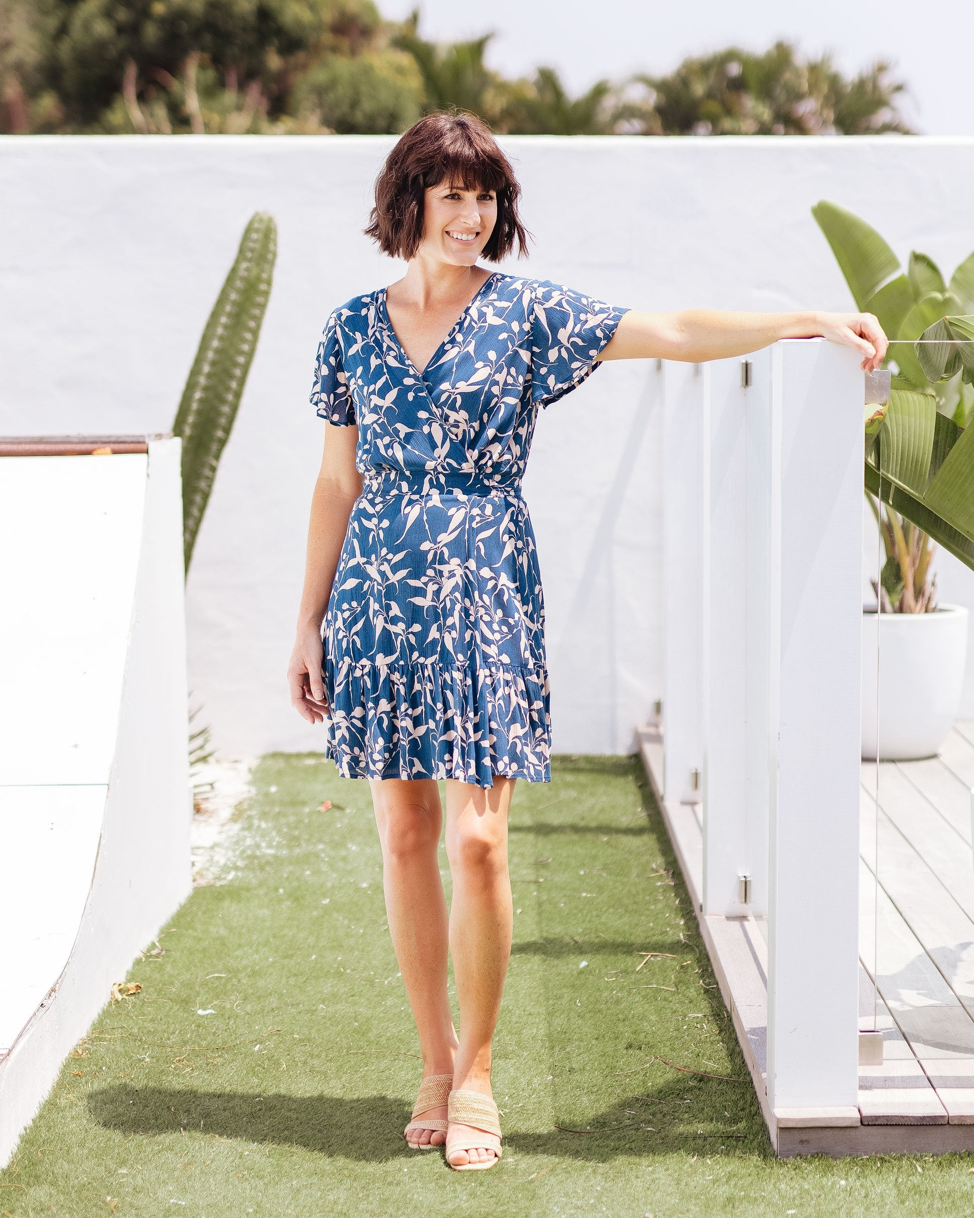 Summery Wrap Dresses Perfect for Breastfeeding Mamas  |   MOOLK