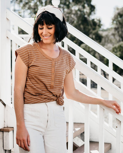 Relaxed Fit Breastfeeding Friendly Tee | MOOLK