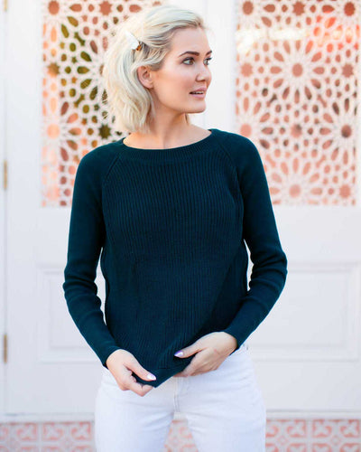 Discreet Breastfeeding Knits | MOOLK