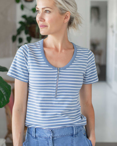 Basic Everyday Breastfeeding Friendly Tshirt | MOOLK