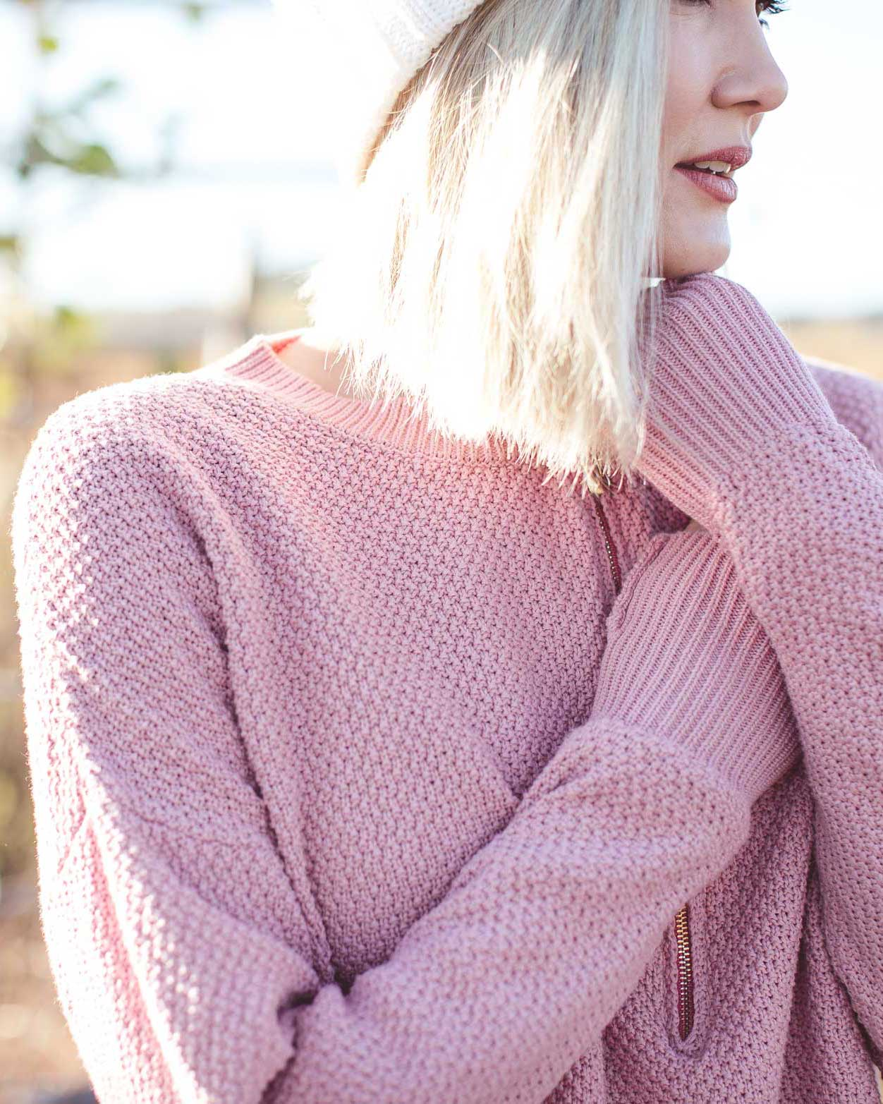 Stylish knit jumper for breastfeeding in winter! | MOOLK