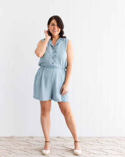 Mum-Friendly Playsuit for Breastfeeding in Summer | MOOLK