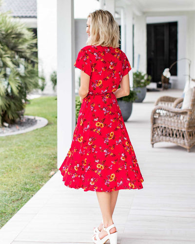 Festive wrap front dresses perfect for breastfeeding   |   MOOLK