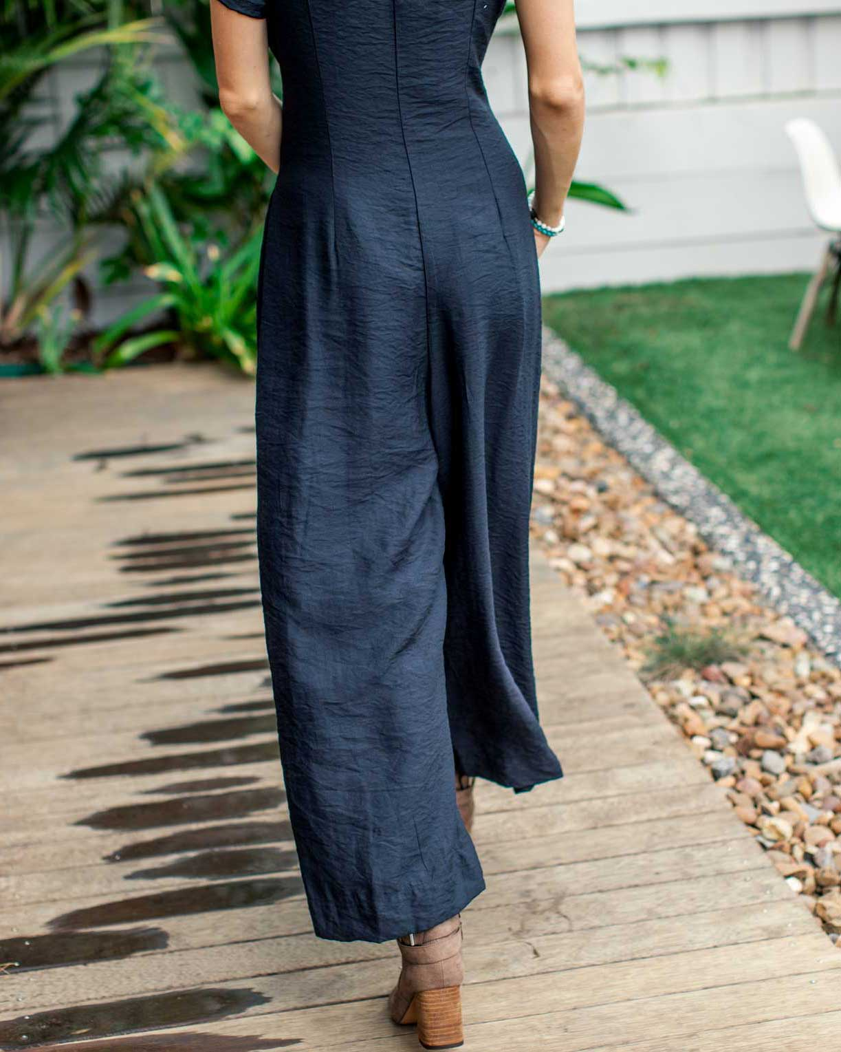 Special occasion jumpsuits for breastfeeding mums  | MOOLK