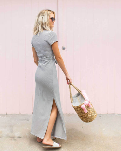 Looking for a breastfeeding-friendly maxi dress?  |  MOOLK
