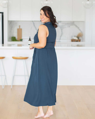 Classic Breastfeeding Friendly Midi Dress | MOOLK