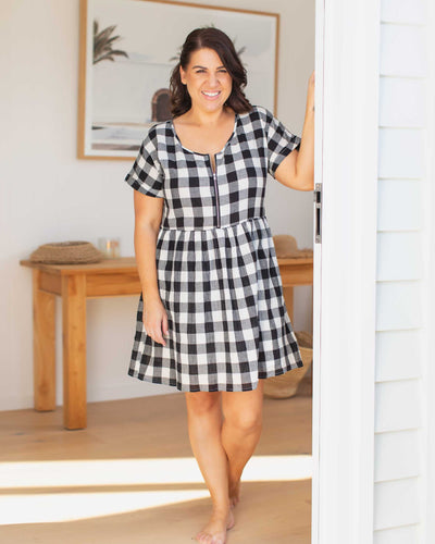 Nursing-Friendly Dresses for Postpartum Mums | MOOLK