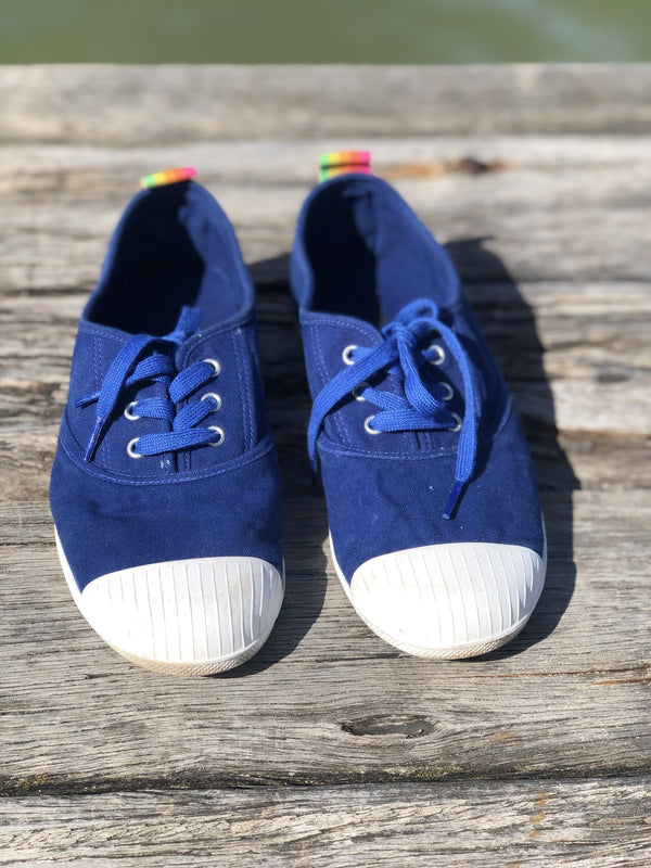 WASHED BLUE CANVAS SNEAKER