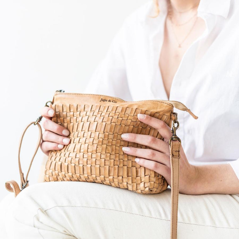 Juju & Co - Woven Pouch Bag- Natural