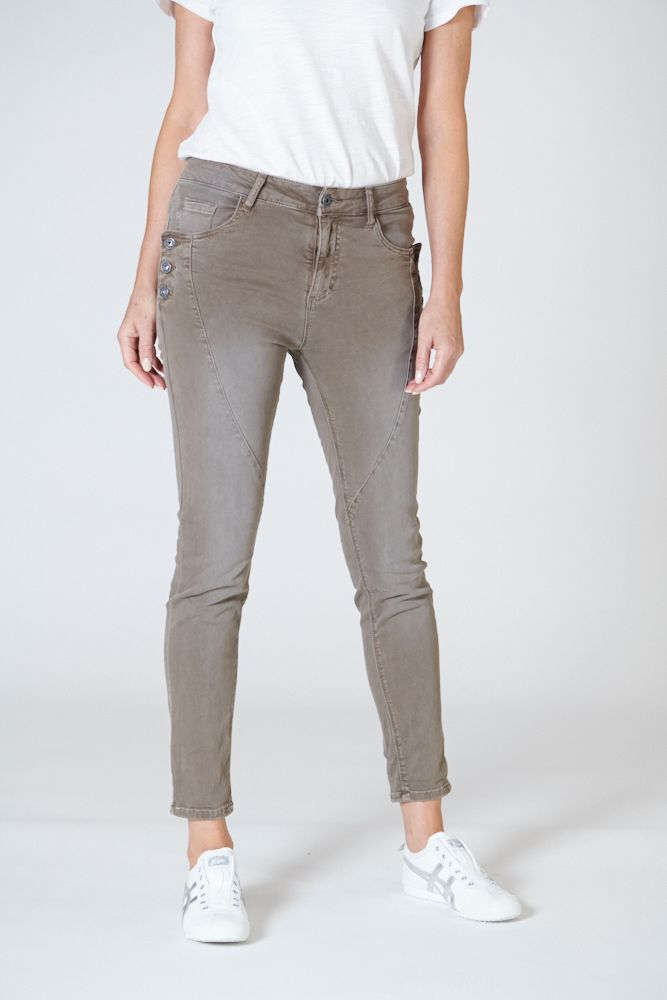 LIBERATION JEAN IN CHOCOLATE