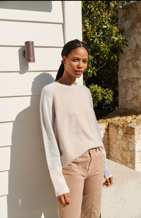 RAW EDGE KHAKI SWEAT WITH BLACK STAR