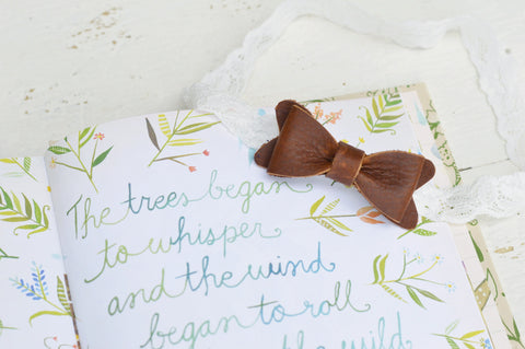Petite Saddle Brown Leather Bow