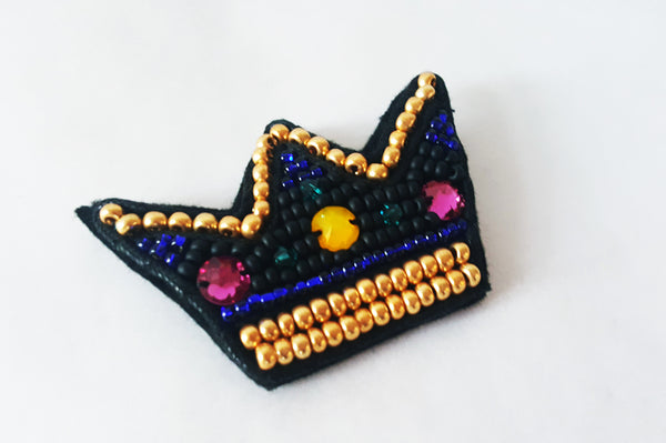 "Unisex pin ""Crown"""