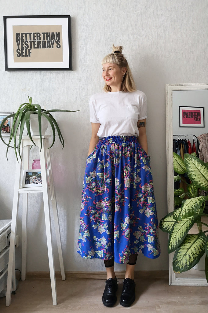 Colorful, Bright Patterned Print One Size Fits All Wide Blue Skirt with Pockets - A Minimalist Dream