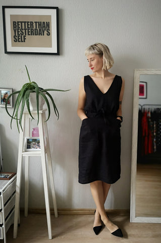 Elegant, Sexy und Fun Concept Black Linen V Neck and Back Straight Dress for All Life Occasions