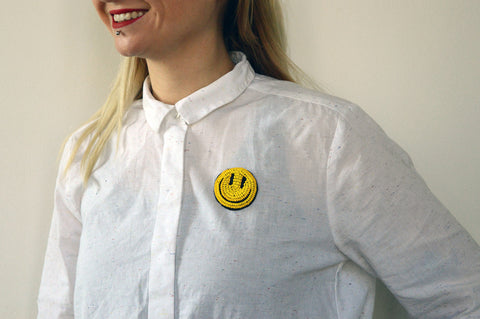 "Unisex pin ""Happy Go Lucky"""