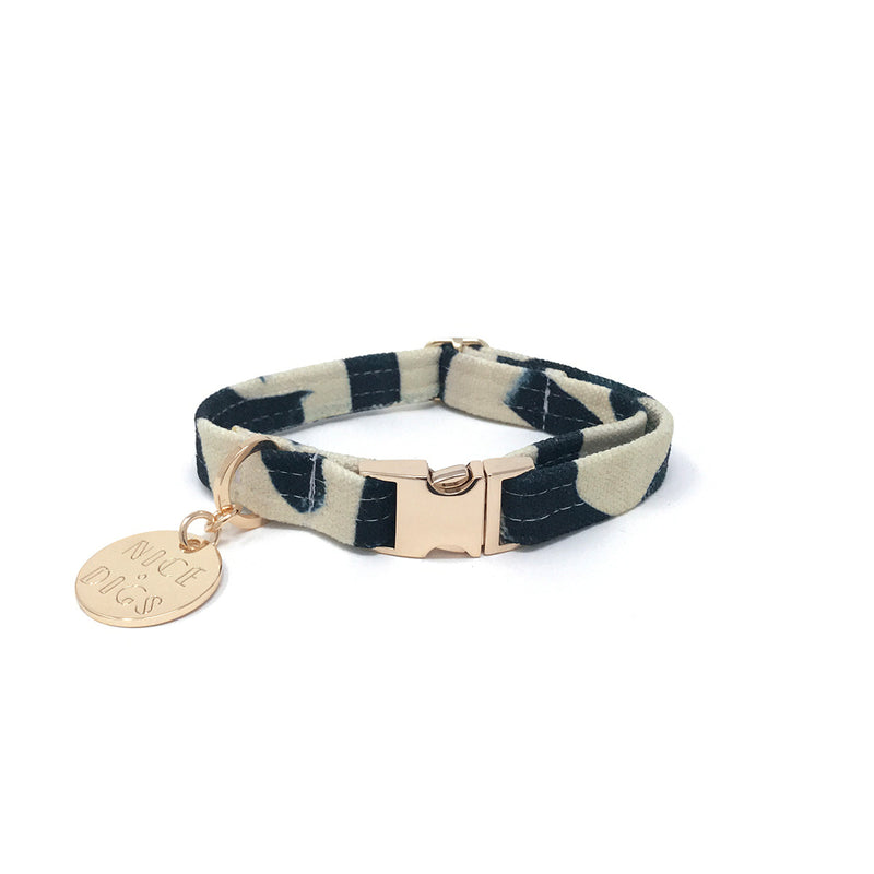 Crosshatch Printed Dog Collar
