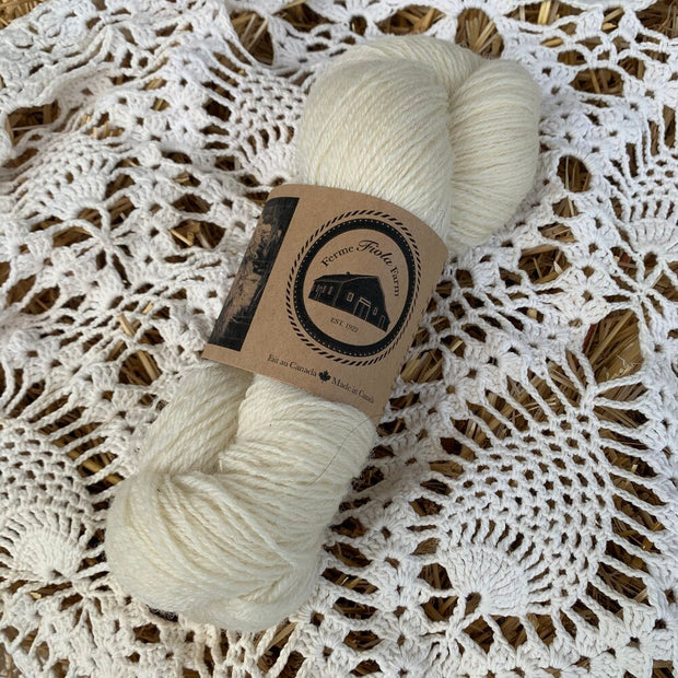 Ferme Fiola Farm - Fingering Weight Yarn - Natural White
