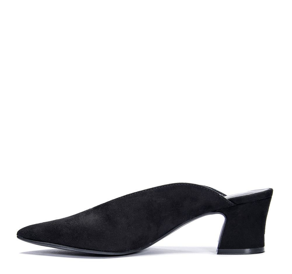 Chinese Laundry Pollie Mule in Black - Chinese Laundry - On The EDGE