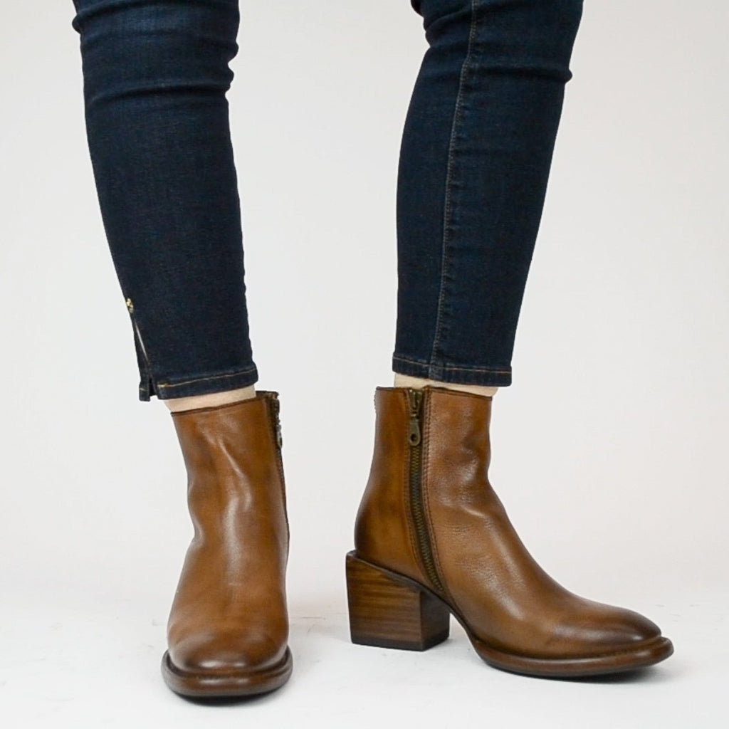 Sutro Clay Women's Boot - Sutro - On The EDGE