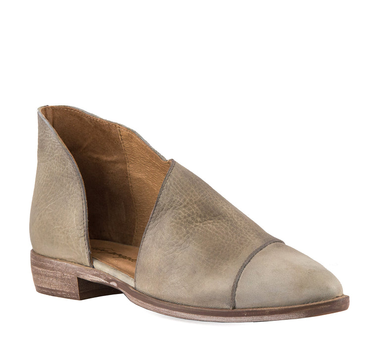Free People Women's Royale Flat in Grey - Free People - On The EDGE