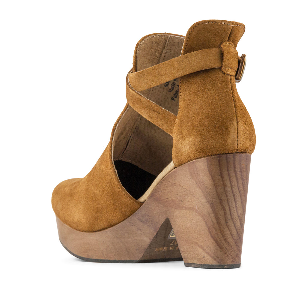 Free People Cedar Women's Clog in Taupe - Free People - On The EDGE