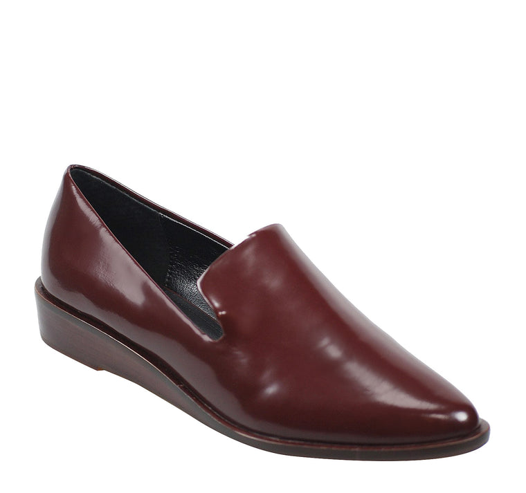 Kelsi Dagger Brooklyn Abbi Women's Flat in Dark Red - Kelsi Dagger - On The EDGE