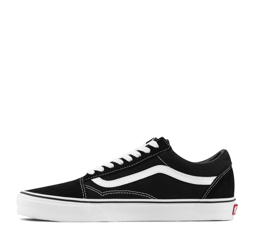 Vans Old Skool Sneaker in Black and White - Vans - On The EDGE