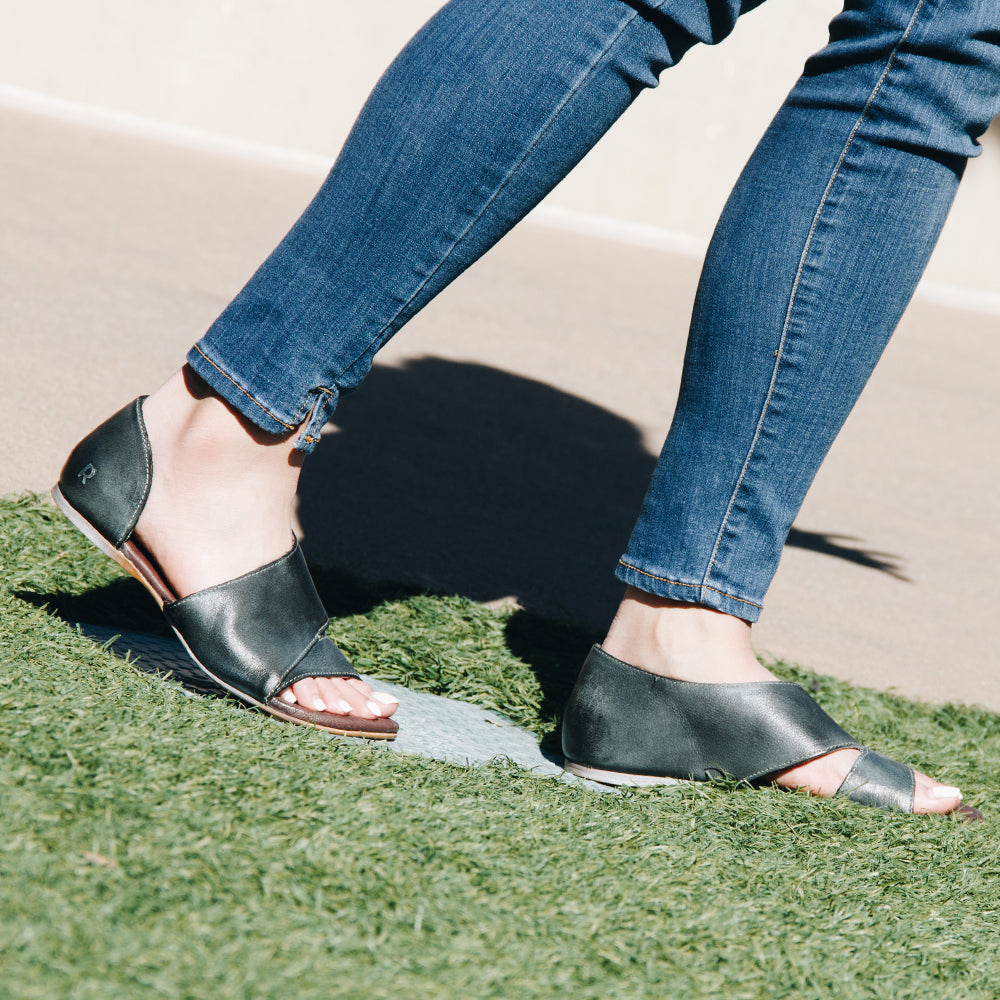 ROAN Irie Sandal in Black - ROAN - On The EDGE