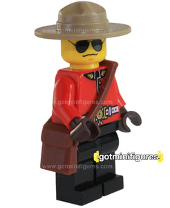 LEGO RCMP CANADIAN MOUNTIE Police Guy Exclusive minifigure
