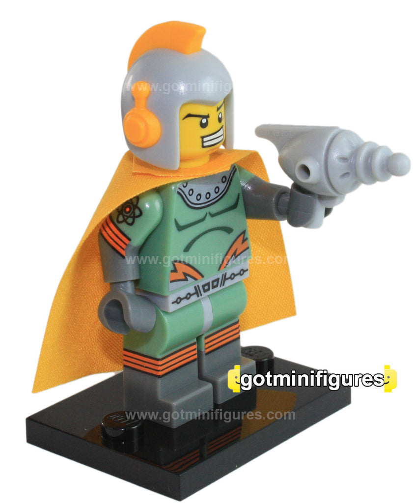 Series 17 LEGO RETRO SPACEMAN minifigure 71018
