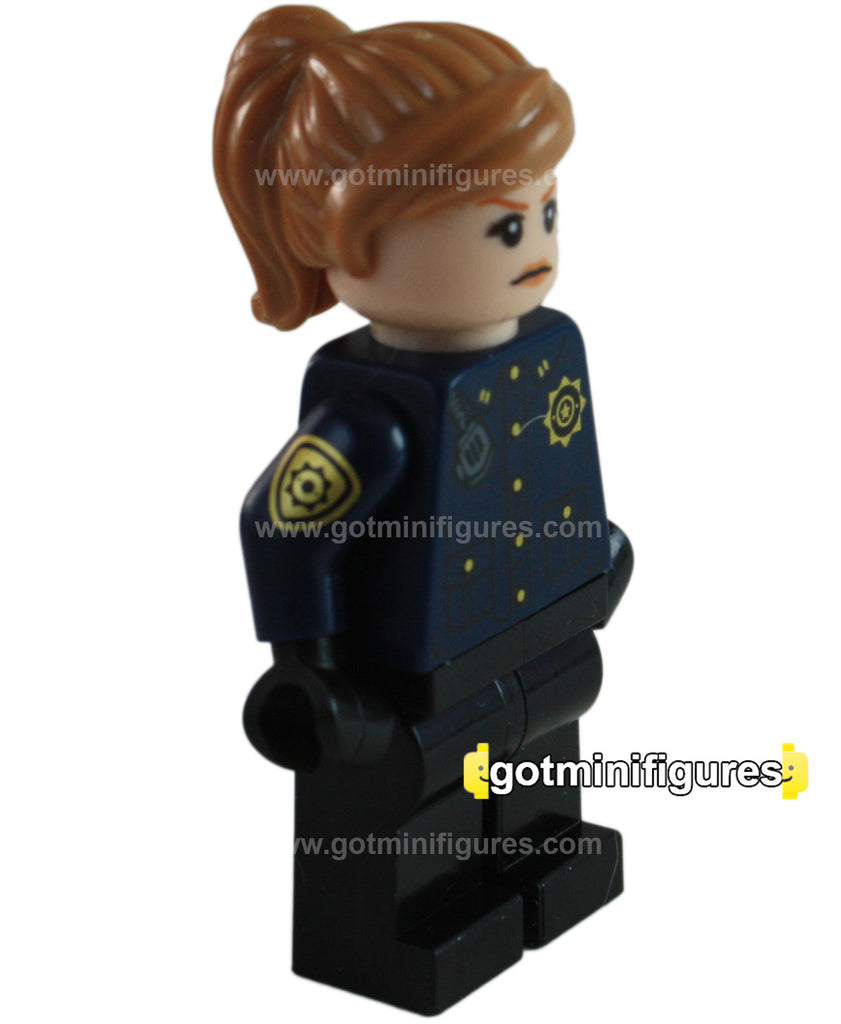 LEGO Super Heroes GCPD Officer, Female (The Batman Movie) minifigure #70912