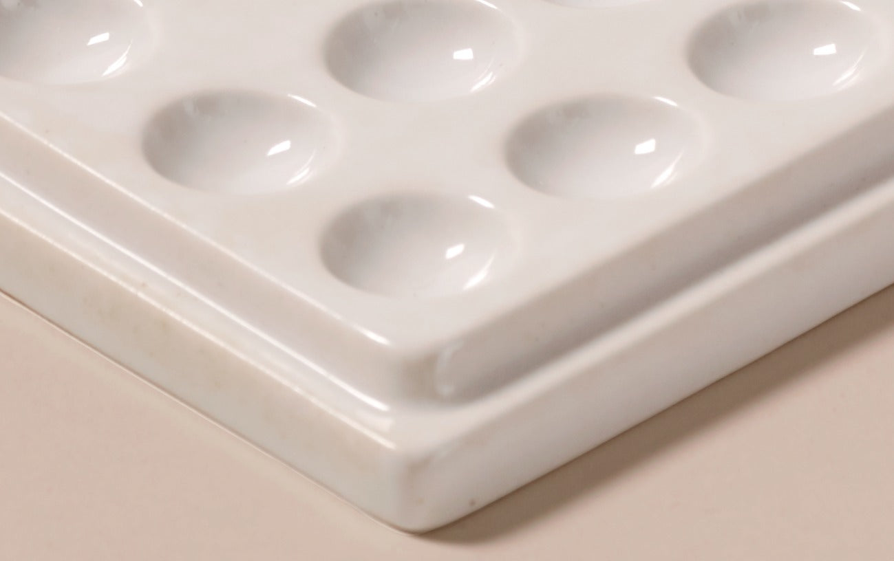 Japanese Bone China Ceramic Palette with 21 holes and paintbrush nook